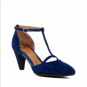 Sofft T bar in Navy Suede